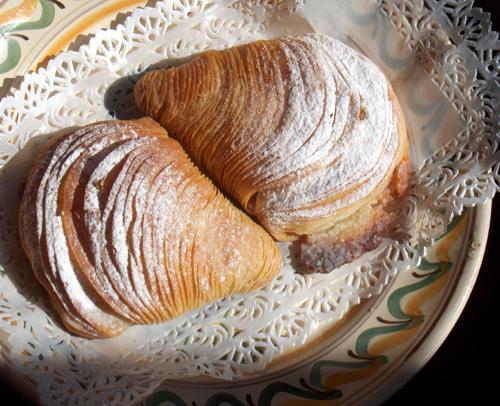 Italian pastry that looks like a seashell